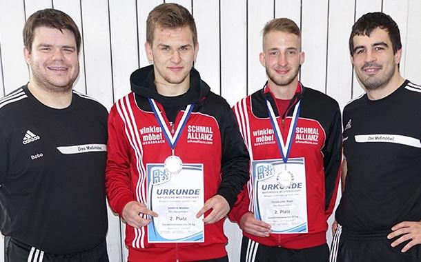 Die Burgebracher Silbermedaillengewinner mit ihren Trainern. Von links: Jens Brosowski, Christopher Rippl (Silber), Dominik Winkler (Silber) und Michael Giehl.