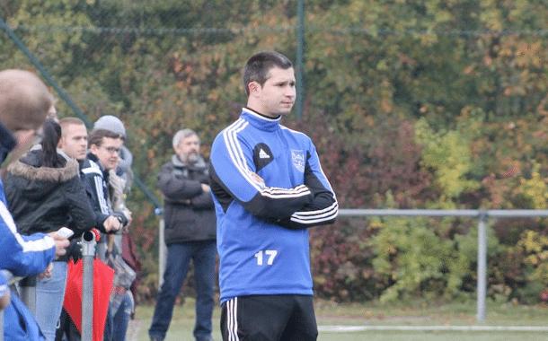 Fußball: Thomas Schmidt verlängert um ein weiteres Jahr