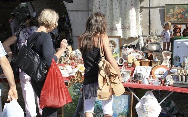 Bausewein veranstaltet Trödelmarkt am Markttag