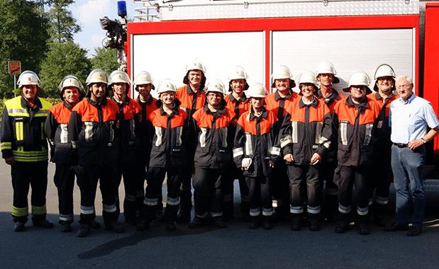 Feuerwehrleute legen Leistungsprüfung erfolgreich ab