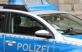 Oberharnsbach: Seitenscheibe Bushäuschen eingeschlagen
