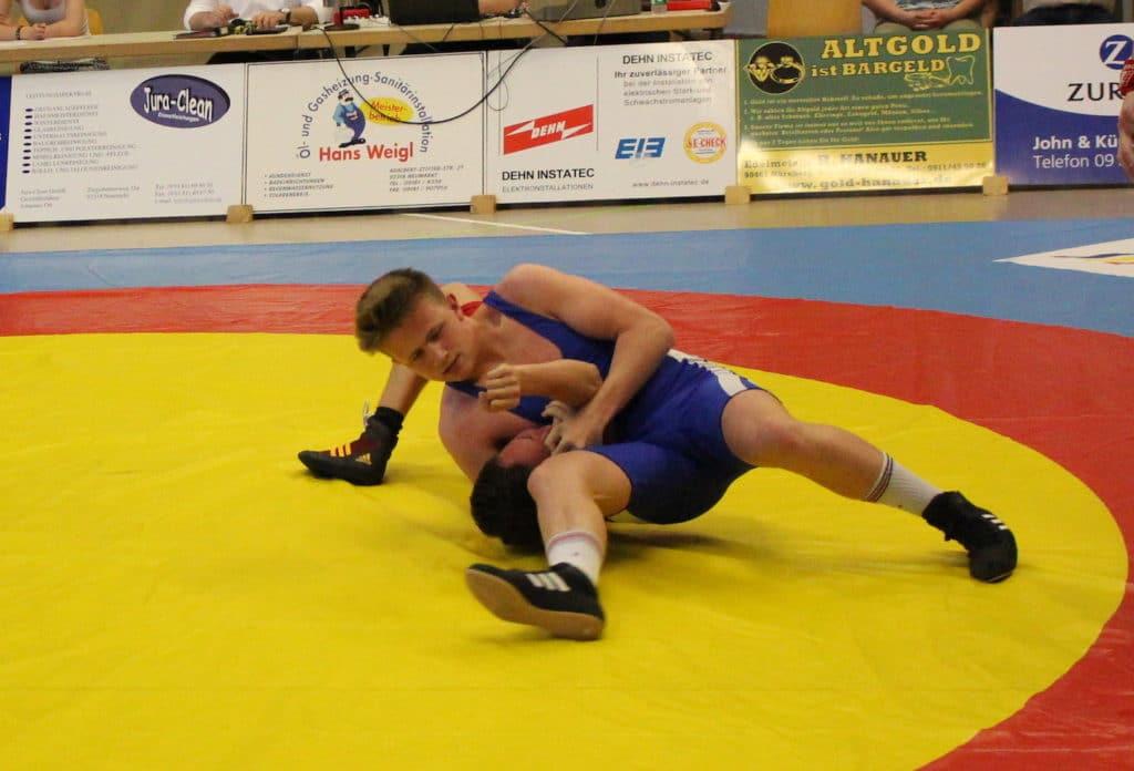 Ringen: Burgebrach kämpft sich souverän ins Halbfinale