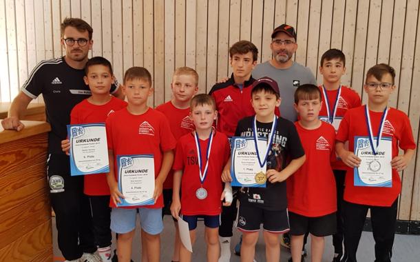Vier Medaillen erkämpft der Burgebracher Ringernachwuchs