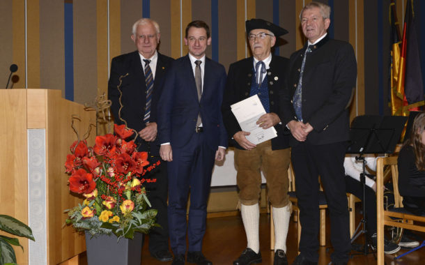 Ehrennadel für besondere Verdienste im Bereich Kultur
