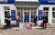 Das Jugendzentrum Burgebrach erhält einen neuen Smart TV